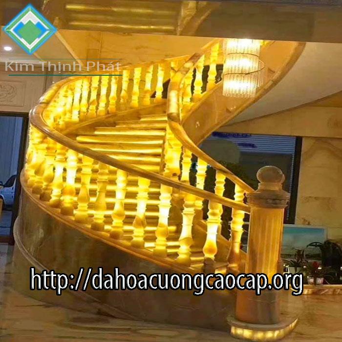 cầu thang đá onyx
